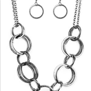 Jump Into The Ring - Black Necklace & Earring Set